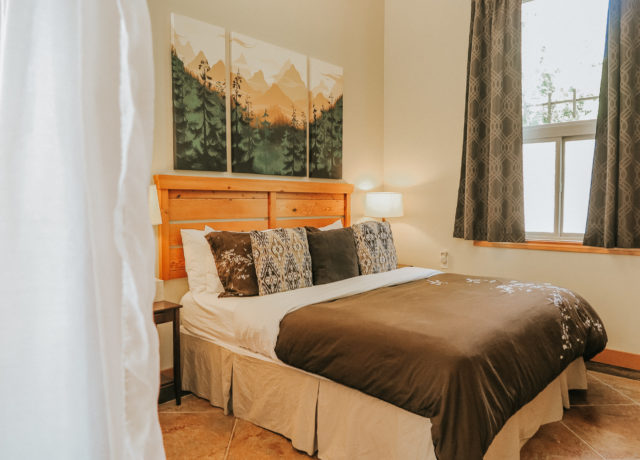 Tofino Vacation | Cobble Wood & Bird Sanctuary Guest houses | Heron Suite