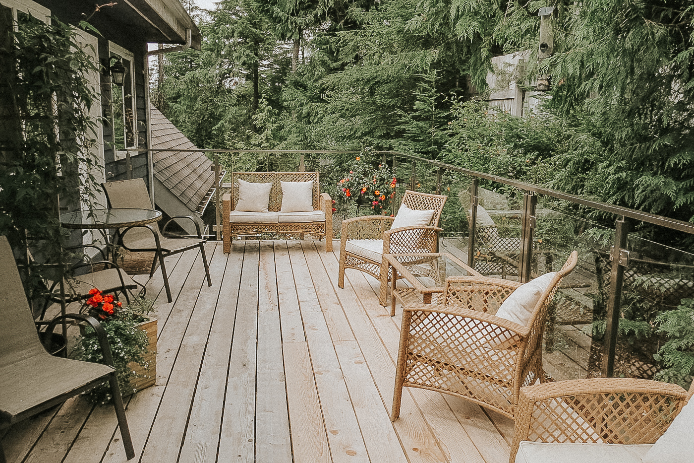 Cobble Wood & Bird Sanctuary Guesthouses | Tofino Vacation
